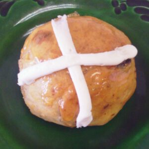 Hot Cross Buns - Dobo's Delights Bakery